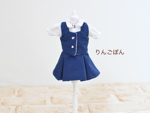 22cmドールサイズ 紺色のワンピース(リカちゃん、ブライスなど)