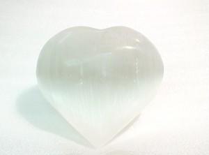 セレナイト(透石膏) 「マリアのガラス」 ハート型 高品質結晶 特大サイズ 約200g