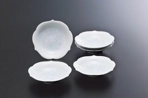 No.99【井上萬二窯作】白磁染牡丹彫文皿