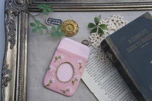 【卒入学祝い】刺繍のパスケース・ピンク×かすみ草