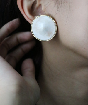 GIVENCHY  round earrings