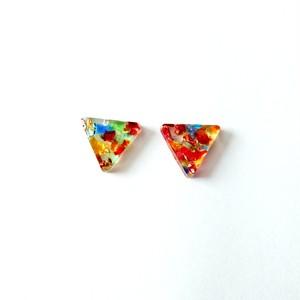 カラフルな琉球ガラスの三角ピアス