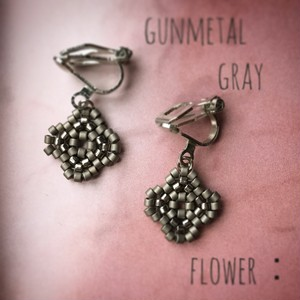 gunmetal gray flower:pierce & earring