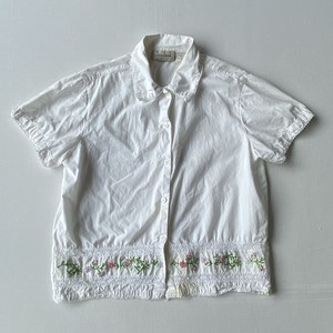 Flower embroidery shirt