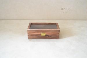 0310≪木製マスクケース≫国産ひのきとシンプルガラスのコレクションケース(ダークチョコ)