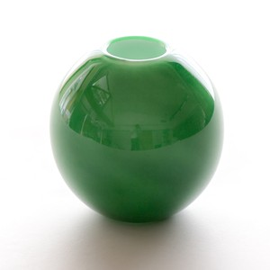 Balloon vase  -bristol green-
