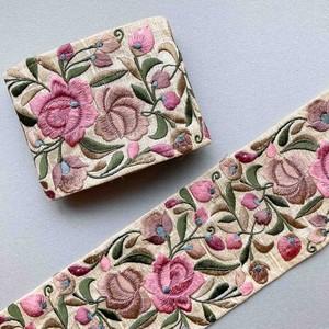ピンクとベージュのお花太幅インド刺繍リボン