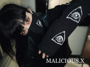 long sleeve  eyes T-shirt / black
