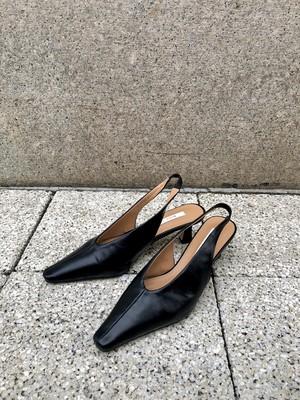 back strap pumps / black (即納)