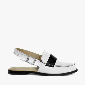 Deux Souliers (サンプルコレクション) - Open Heel Moccasin #1 バックストラップモカシン (ホワイト&ブラック) 【スペイン】【靴】【シューズ】【インポート】【VOGUE】