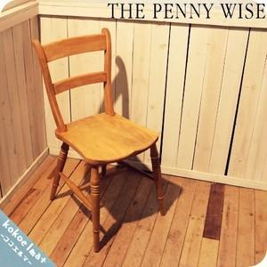 THE PENNY WISE(ペニーワイズ)のシンプルなデザインのストレートチェアー。ブナ無垢材のナチュラルな質感とクラシックな雰囲気がアンティークな空間のアクセントにもなるダイニングチェアー♪(2)◆中古家具/インテリア