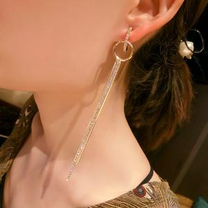 【小物】気質感たっぷりファッションチェーンタッセルロングピアス19013410