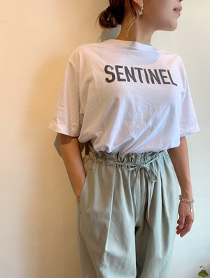 """MICA&DEAL / """"SENTINEL""""プリントTEE"""