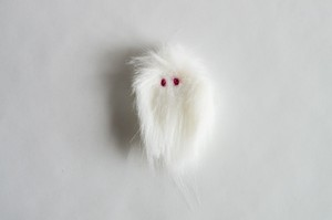 albinoYETI(juvenile)ブローチ