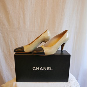 CHANEL Bi-color High heels