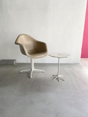 "Eames ""Arm Shell Chair La Fonda Base"""