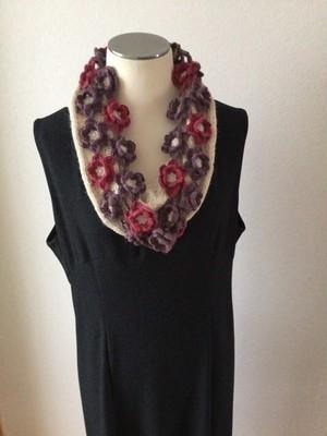 手編み ニット スヌード ベビーアルパカ100% 花 白×紫・ピンク