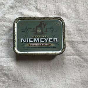 オランダのシガレット缶