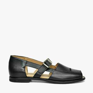 Deux Souliers (サンプルコレクション) - Sandal #7 バックルデザインフラットサンダル (ブラック) 【スペイン】【靴】【シューズ】【インポート】【VOGUE】