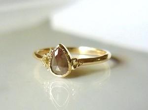 ナチュラルダイアモンドのK14指輪(グレイッシュブラウン)
