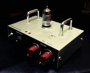 管球式ヘッドフォンアンプ|Eustachio TUBE HPA take1 ハンドル付