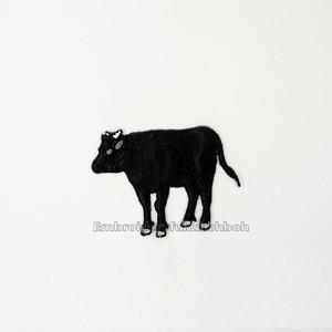 たたずむ和牛 牛 刺繍ワッペン