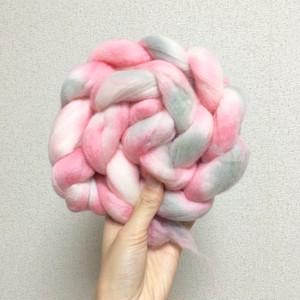 手染め羊毛 ピンクグレー