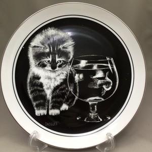 【再入荷】英国 ロイヤルコーンウォール社 Just Curious 子猫のプレート No. 1 1979年