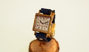 シックな四角型腕時計