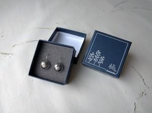 陶悦窯ピアス(黒塗り銀かすり)