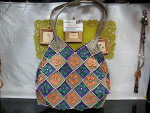 ベトナムバッグ・ベトナム雑貨PhiPhi・ハンドメイドバッグ・スエードバッグ・花モチーフバッグ CB