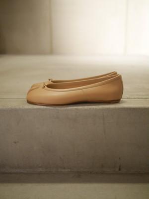 MAISON MARGIELA / Calfskin Tabi Ballet Flat  (Beige)