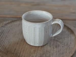 白釉マグカップ(面)