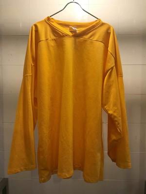 鮮やかな黄色のメッシュカットソー