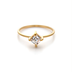 4mm Zirconia Square 45°- 4 Claw Ring