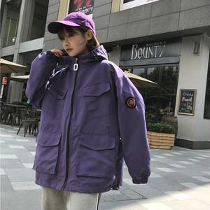 【送料無料】マウンテンパーカー アウター ジャケット 長袖 フード付き ポケット付き オーバーサイズ ゆったり ツーリングジャケット ショート丈 ロゴ メンズライク カジュアル おしゃれ ボーイッシュ 韓国 春 デイリー コーデ 女子会 学生 通学