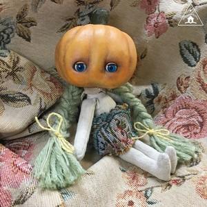 Pumpkin Head(かぼちゃあたまの子)若葉髪の子