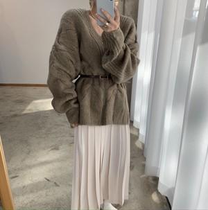 ベルト付きVセーター