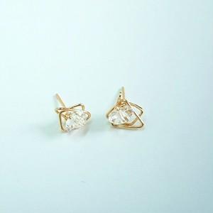 ハーキマーダイヤモンドの幾何学ピアス