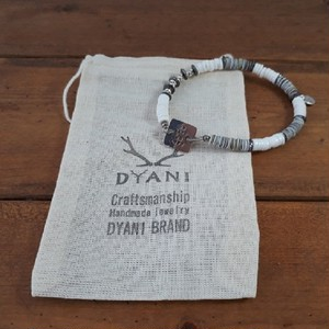 NO WAVE NO LIFE / Border Bracelet  by DYANI