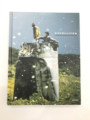 "[USED BOOK/写真集]Jonas Bendiksen ""Satellites"""