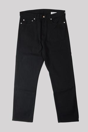 HALF RAW BLACK STRAIGHT LEG<TRIPLE DOUBLE>
