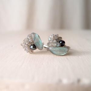 【天然石の刺繍イヤリング】labradorite × pearl