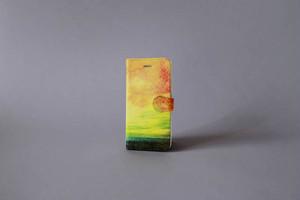 【03.09 SALE START】海と黄色い空の、手帳型スマホケース