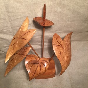 Vintage Hawaiian Wood Flower Centerpiece, Anthurium 1