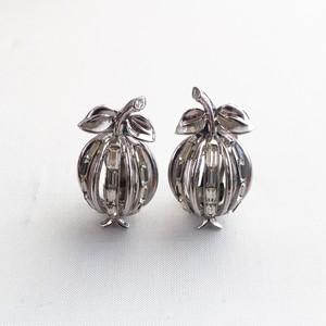 Trifari vintage earrings 1048