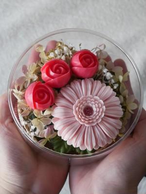 ソープカービングフラワー【ピンクのガーベラと小バラ】 手のひらサイズの贈り物