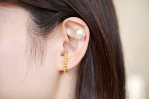 Ball chain and pearl ear cuff
