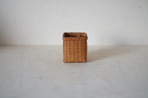 小さな編み竹籠