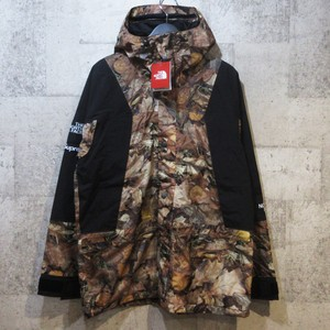 SUPREME × TNF 16AW Mountain Light Jacket